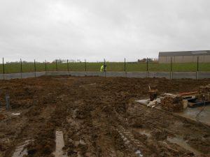 Draadafsluiting met betonplaat 1.1