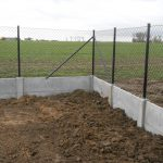 Draadafsluiting met betonplaat Leisele - Massaert bvba