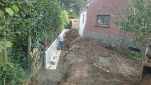 plaatsing keerwanden l-profielen tuin Vlezenbeek