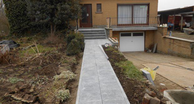 project aanlooppad natuursteen trap trapblokken deurpad Lennik