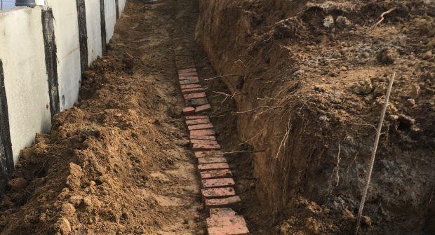 Vlezenbeek sifonput L-profielen, Keerwanden oprit klinkers voortuin afbraak tuinmuur uitgraven stookolieketel_0202_0231