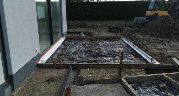 bekisting gepolierd beton aanleg staptegels Dilbeek.JPG_1766