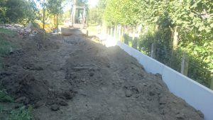plaatsing keerwanden l-profielen tuin Vlezenbeek_0694