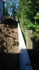 plaatsing keerwanden l-profielen tuin Vlezenbeek_0695