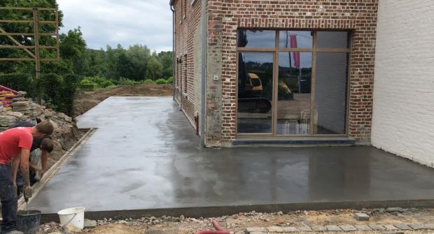 terras in gepolierd beton Vlezenbeek