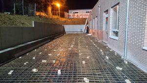 voorbereiding storten gewapend beton gepolierd basisschool Gooik wapeningsnetten