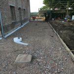 voorbereiding terras gepolierd beton steenpuinkoffer Vlezenbeek - Massaert bvba