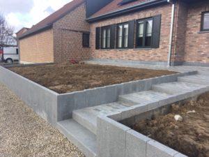 aanleg buitentrap pad voordeur kassei terras oprit grind 15