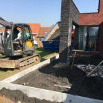aanleg gangpad rond villa en terras keramische tegels Cimenti Midnight 80x80 Sint-Pieters-Leeuw_0956 - Massaert bvba