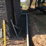 aanleg gangpad rond villa en terras keramische tegels Cimenti Midnight 80x80 Sint-Pieters-Leeuw_0970 - Massaert bvba