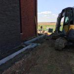 aanleg gangpad rond villa en terras keramische tegels Cimenti Midnight 80x80 Sint-Pieters-Leeuw_0973 - Massaert bvba