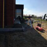 aanleg gangpad rond villa en terras keramische tegels Cimenti Midnight 80x80 Sint-Pieters-Leeuw_0974 - Massaert bvba