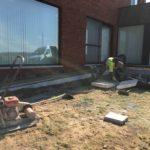 aanleg gangpad rond villa en terras keramische tegels Cimenti Midnight 80x80 Sint-Pieters-Leeuw_0975 - Massaert bvba