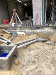 aanleg gescheiden rioleringsstelsel Vlezenbeek met infiltratieput hemelwaterput septische put_0760