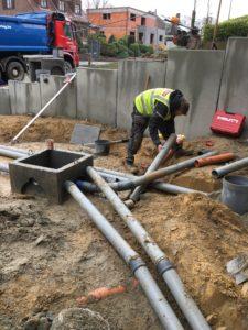 aanleg gescheiden rioleringsstelsel Vlezenbeek met infiltratieput hemelwaterput septische put_0761