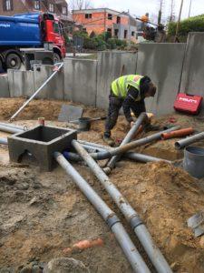 aanleg gescheiden rioleringsstelsel Vlezenbeek met infiltratieput hemelwaterput septische put_0762