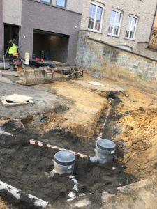 aanleg gescheiden rioleringsstelsel Vlezenbeek met infiltratieput hemelwaterput septische put_0774