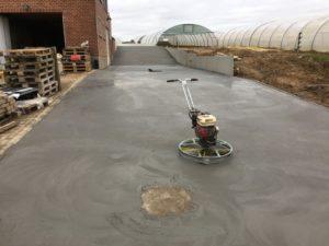 aanleg oprit gepolierd beton Sint-Pieters-Leeuw_0715