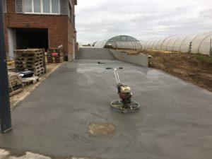 aanleg oprit gepolierd beton Sint-Pieters-Leeuw_0716