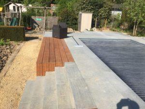 aanleg terras zwembad trap tropisch hardhout Vlezenbeek_1157