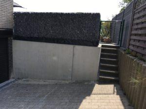plaatsen Schanskorven bovenop prefab keerwand Sint-Pieters-Leeuw 3